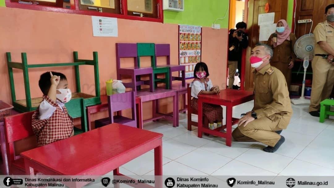 Bupati Malinau  Pantau Pelaksanaan Pembelajaran Tatap Muka Terbatas