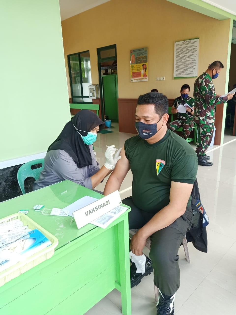 Jalani Vaksinasi Lanjutan, 20 Prajurit TNI AD Diwilayah Kota Tarakan Disuntik Vaksin Astra Zeneca