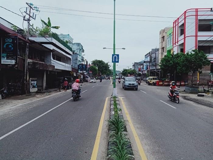 Jalan_Yos_Sudarso.jpg
