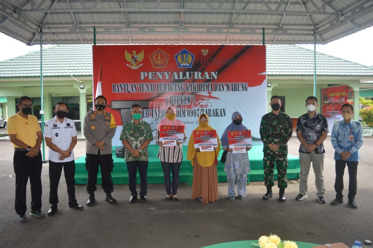 Bantuan Tunai BTPKLW Disalurkan Perdana Kodim 0907/Tarakan