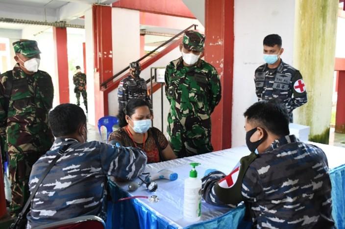 TNI AL Vaksinasi Pekerja Migran Indonesia (PMI) Di Nunukan