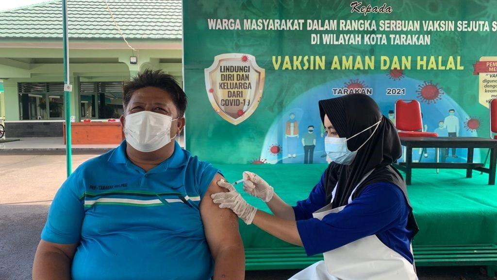 Sambut HUT TNI,Kodim 0907/Trk Gelar Vaksinasi Gratis Bagi Masyarakat.